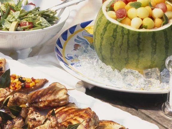 Kalte Ente mit Minze und Aprikosen (Bowle) ist ein Rezept mit frischen Zutaten aus der Kategorie None. Probieren Sie dieses und weitere Rezepte von EAT SMARTER!