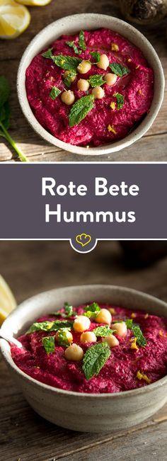 Perfekt zum Dippen, Bestreichen oder pur Genießen: Diese köstliche Hummus-Variante mit Roter Bete ist nicht nur farblich ein Knaller.