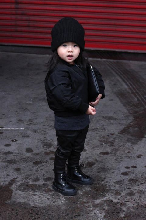 Alexander Wang's niece is the CUTEST fashionista at fashion week!!