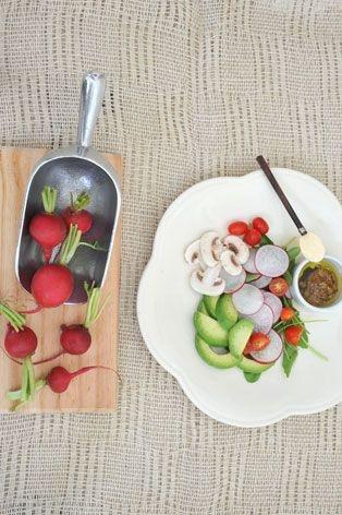 Ensalada de rabanitos y palta - Colorida y variada, es ideal para acompañar platos livianos.