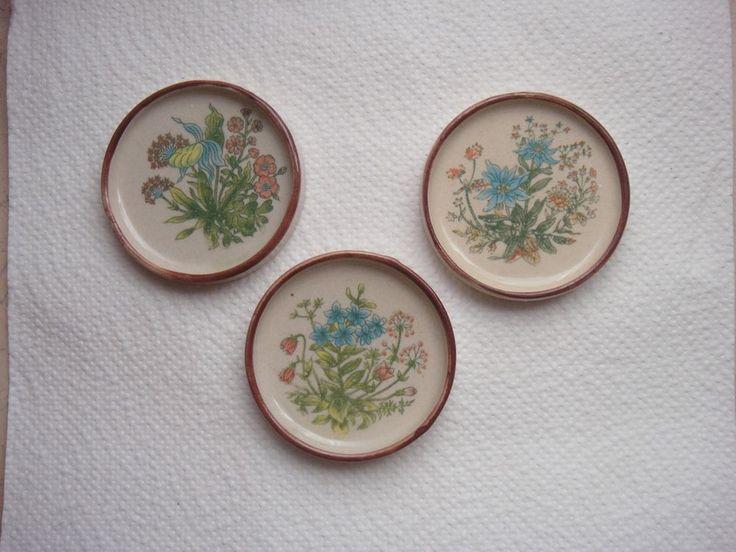 3 Stück Untersetzer für Glas oder Teeschalen, Keramik, beige mit Blumendekor