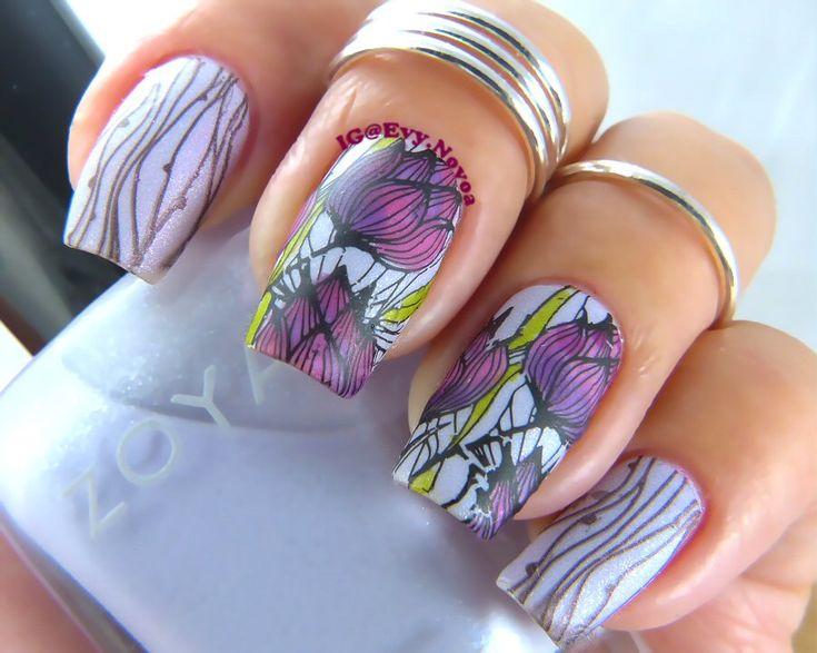 #mani #uñas #diseñodeuñas #uñasestampadas #sexynails #moda #estilo #style #fashion #fashionnails #flowernailart #springnails #purplenails