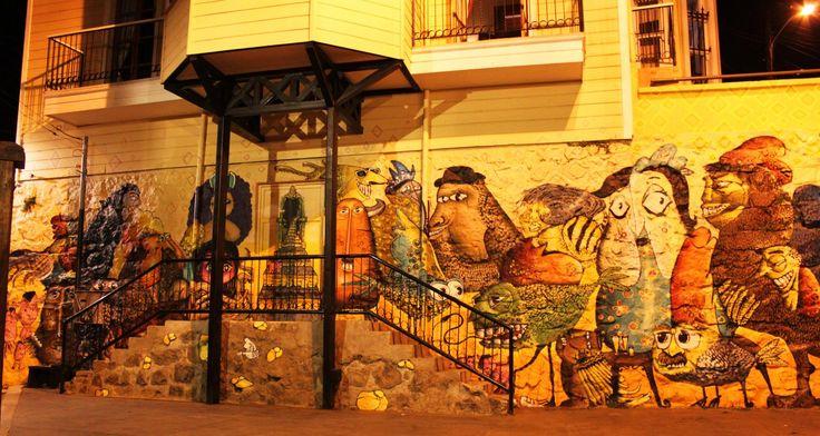 valparaíso-mural-monos-cerro-alegre