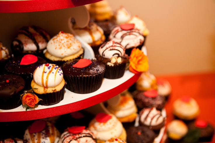 wedding cupcakes up close