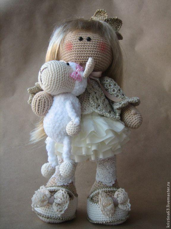 Вязаная кукла с овечкой. Handmade.♡