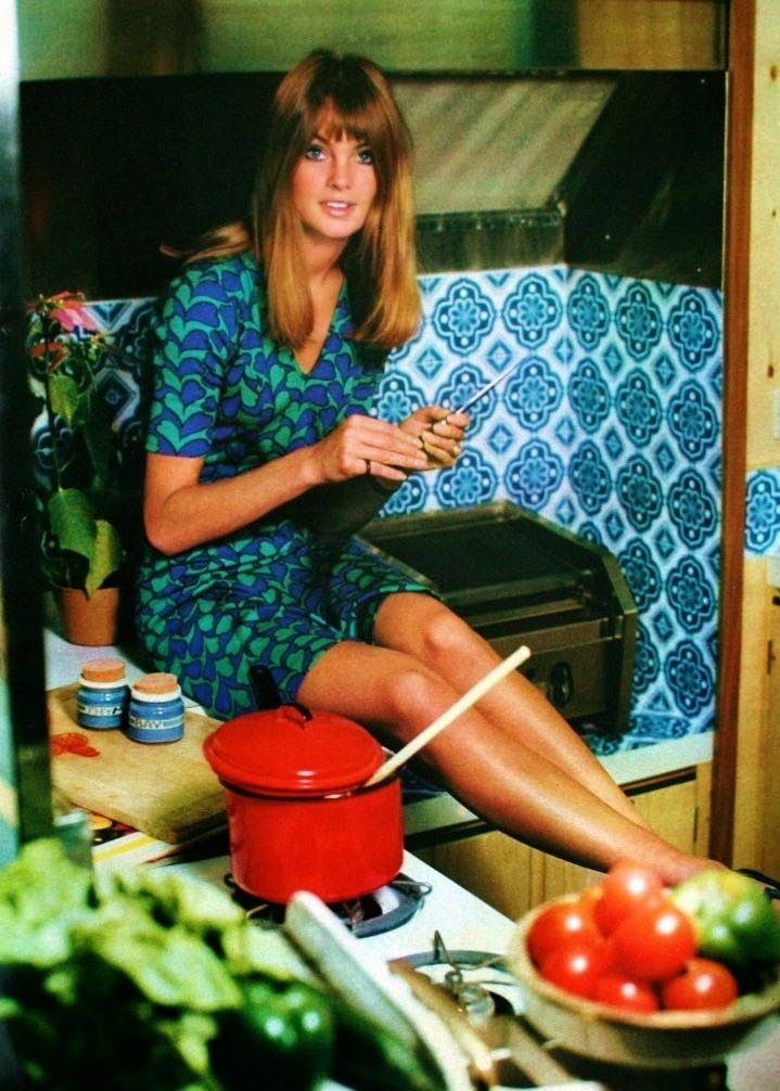 Jean Shrimpton at home, photo Antony Norris, Ideal Home March 1967