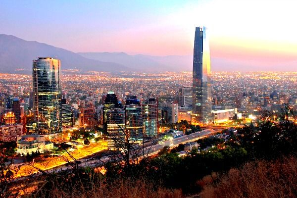 Traveling to South America? Find out what to wear in Chile! Read these tips on packing for sightseeing and going out in Santiago.
