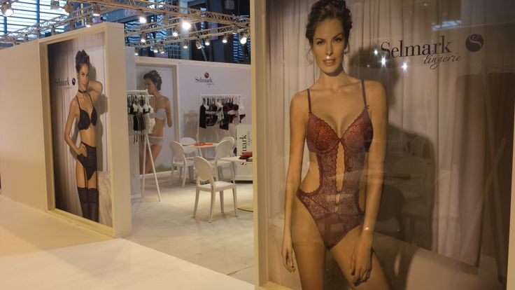 32 best salon de la lingerie janvier 2014 paris images on for Salon de la mode paris
