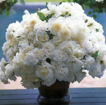 Glorious white!  Floral design by Carolyne Roehm