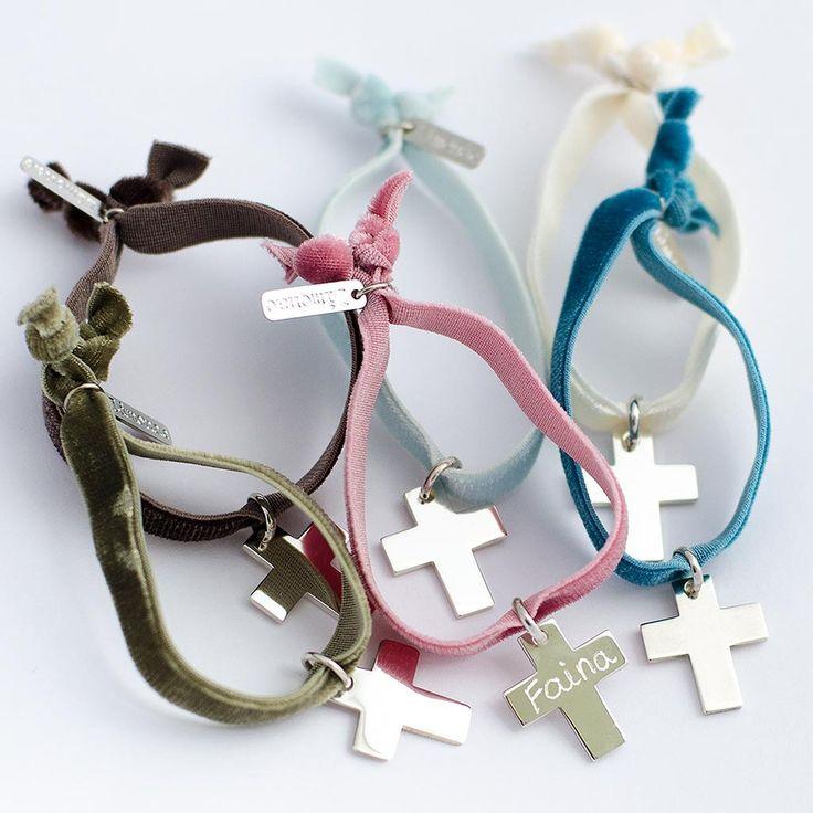 pulseras terciopelo con cruz de plata