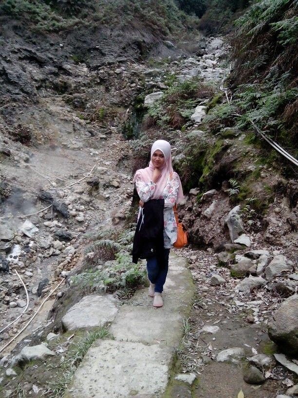 The way near gedongsongo sulfur