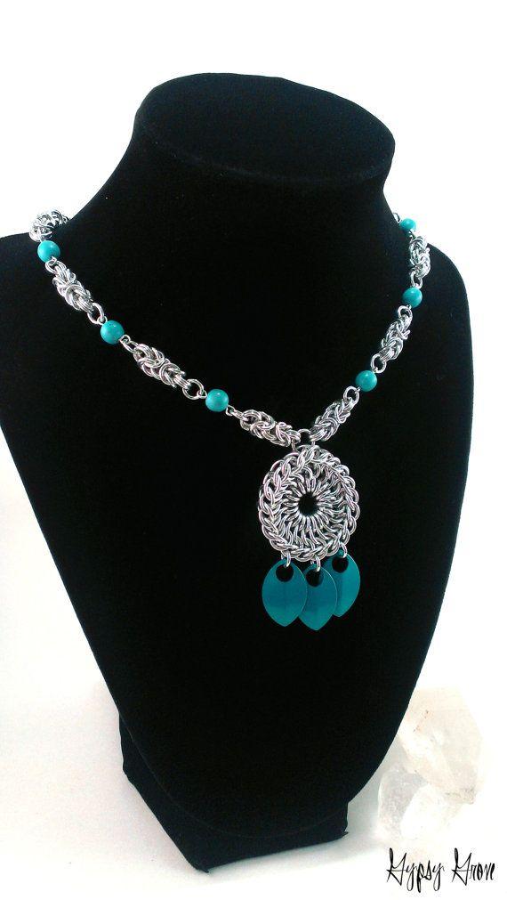 Collana di turchese amuleto Chainmaille di GypsyGrove su Etsy