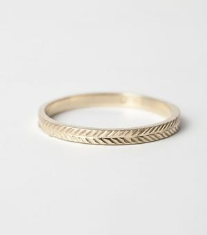 This wheat-patterned ring in 14k gold by J. Lingnau is so pretty