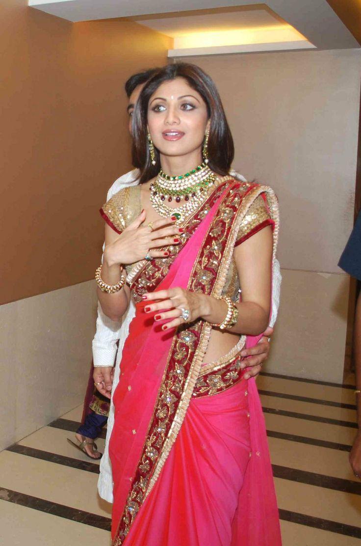 Shilpa Shetty Hot Saree   Photos Of Shilpa Shetty Marriage