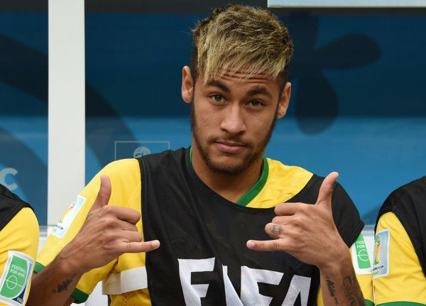 Neymar's brain on auto-pilot - Japan neurologists discovered he uses LESS brain activity than beginning players. I'd say that's about being In the Zone, when you let go of the how, and have one-pointed focus in the Now.