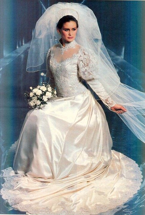 brides magazine 1982 beautiful bridal gowns pinterest bridal gowns. Black Bedroom Furniture Sets. Home Design Ideas