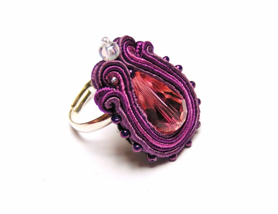 Sutasz-Anka: Violet- ring http://www.soutage.com/2012/07/blog-post_05.html