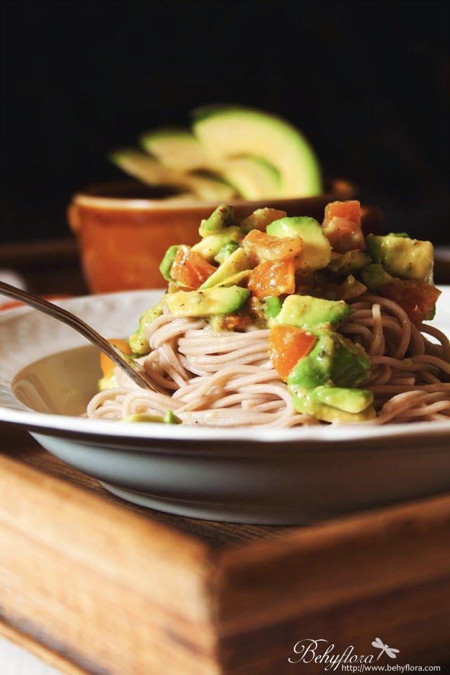Behyflora - ein vegetarischer Foodblog mit Pfiff: {Soulfood} Avocado Pasta mit Ingwer