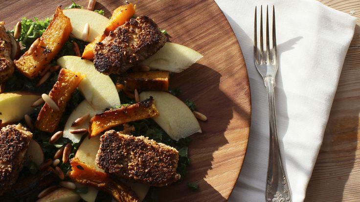 Grønkålssalat med bagt græskar og grillet ost (Madbloggerudfordringen)