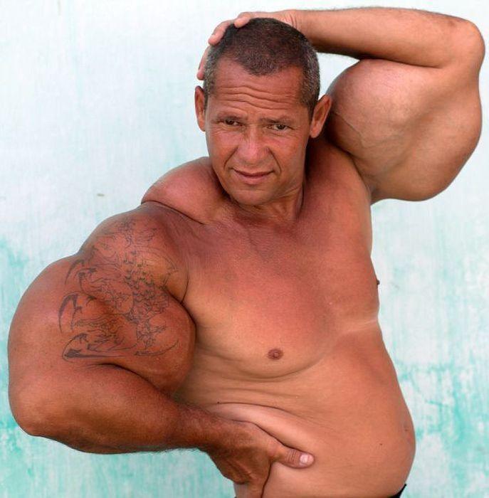 En kaslı erkekler http://www.vucutgelistirmetv.com/en-kasli-erkekler.html