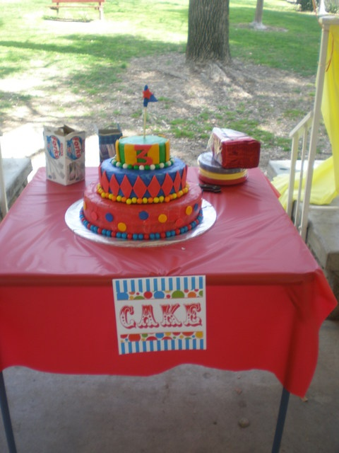 Cake at a Circus Party #circus #partycake