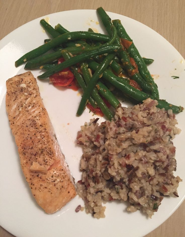 Hello Fresh - Roasted Salmon with string beans and ...