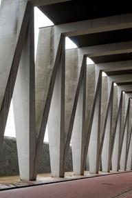 Concrete Truss Structure   Vodafone / Baumschlager Eberle #architecture #structure #engineering