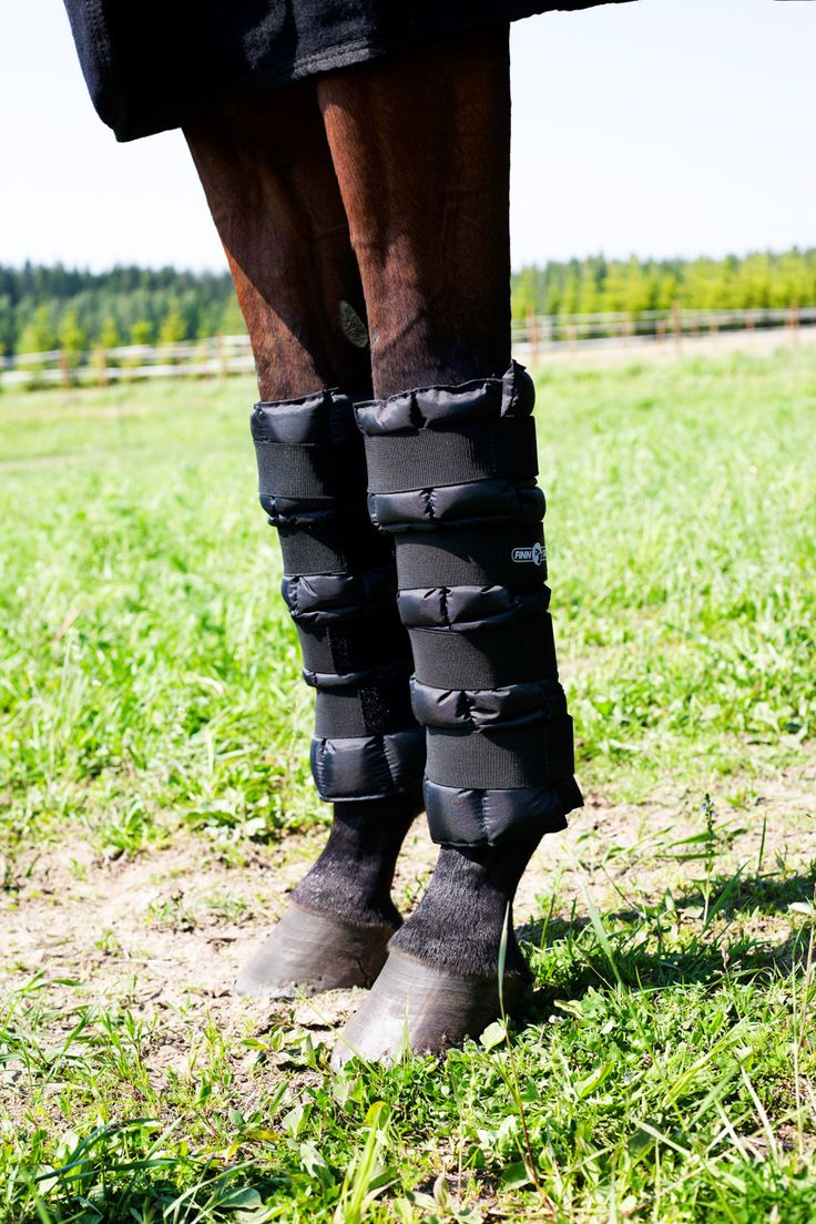 Horze Cooling Wraps Quick Cool Wraps are designed to cool down your horse's legs after exercise. This is a fast and easy solution to decrease swelling with cold therapy. These essential wraps stay sof