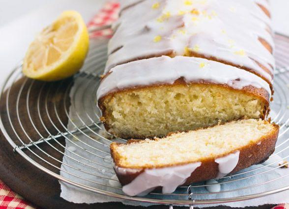 E se di dolcezza non ne avete ancora abbastanza... Torta glassata al limone