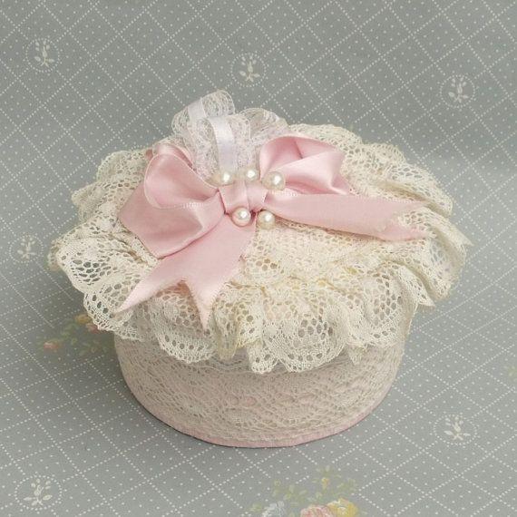 Vintage SURPRISE Lace ruffles Pink jewelry di HelenaAleixoGlamour