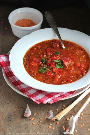 zupa z czerwonej soczewicy i chorizo