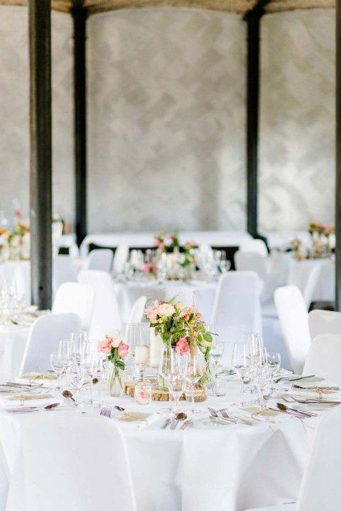 Romantisches Hochzeitsvergnügen auf Gut Hohenholz OctaviaplusKlaus http://www.hochzeitswahn.de/inspirationen/romantisches-hochzeitsvergnuegen-auf-gut-hohenholz/ #wedding #mariage #table