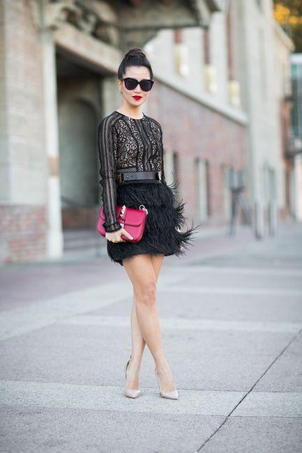 Textures :: Noir lace & Soft feathers