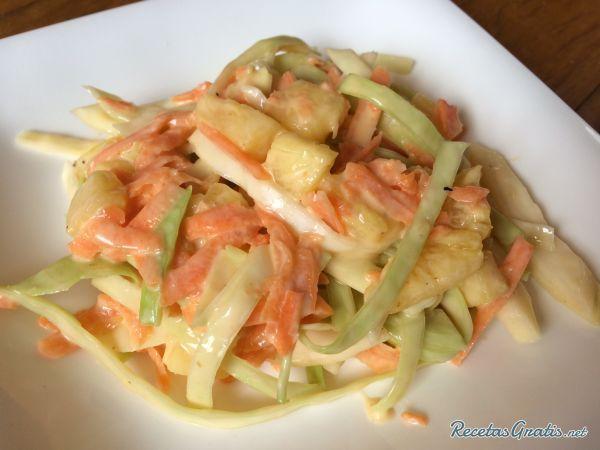 Aprende a preparar ensalada agridulce colombiana con esta rica y fácil receta.  En esta receta aprenderás a realizar una ensalada de repollo agridulce, es muy común...