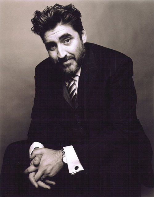 Alfred Molina was born in 1953 in London, England, of a Spanish father and an Italian mother. He studied at the Guildhall School of Music and Drama, London. Movies: Chocolate, the Perez Family.