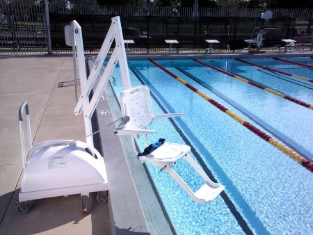the pal portable pool lift pool lifts pinterest