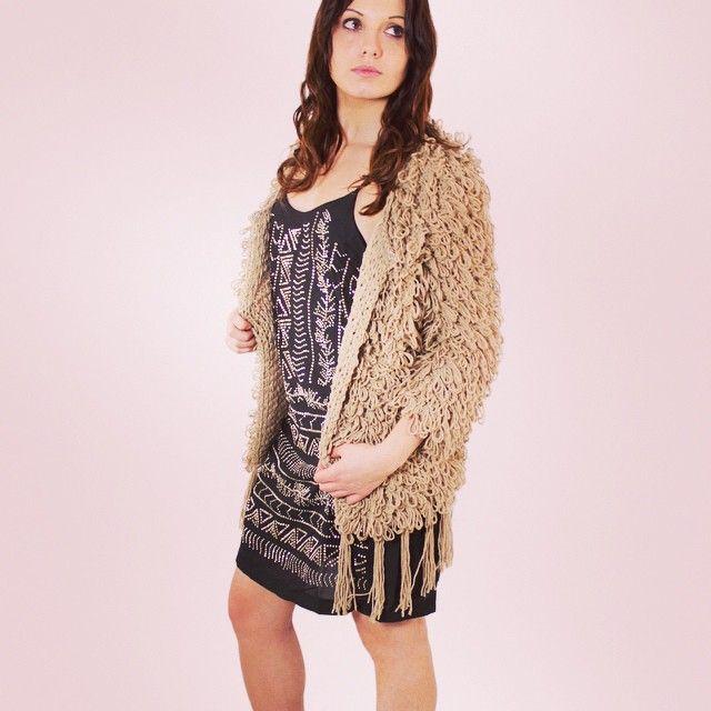 Woow les nouveautés  #zonedachat #mode #fashion #femme #gilet #franges #girl #ootd