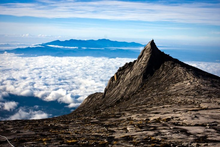 Mount Kinabalu,although i live in sabah,i nvr go there ;'( its okay SOMEDAY :D