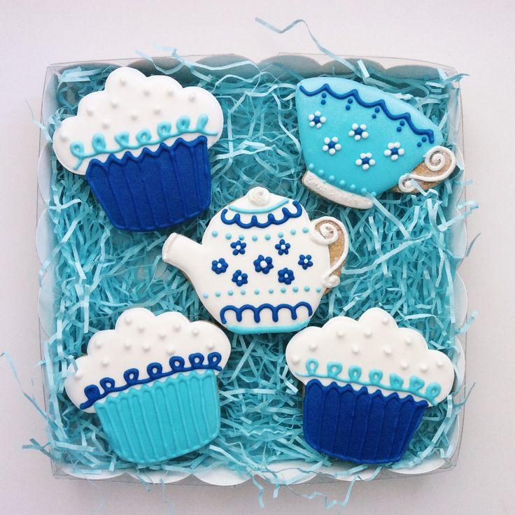 Gingerbread, tea, cupcakes, cakes