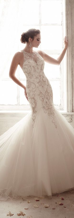 Christina Wu Mermaid Style Wedding Dress http://eweddingssecrets.com/top-10-wedding-gifts-to-give-to-a-newlyweds.html