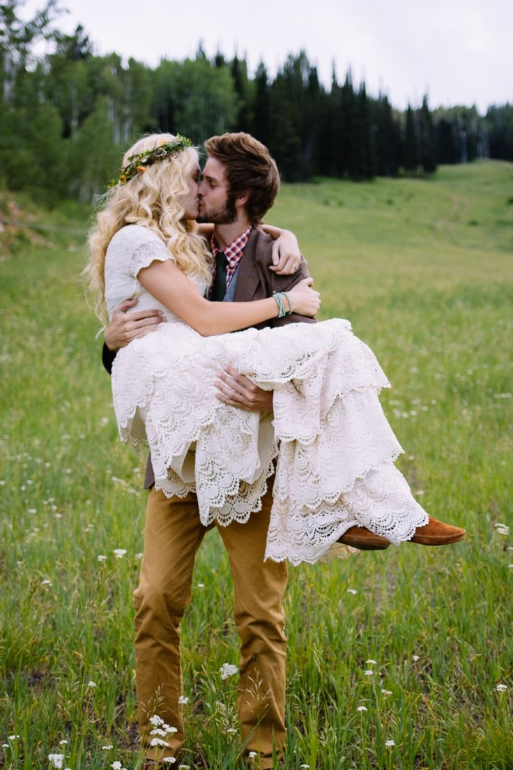 I love this. We are gunna have such a hippie wedding haha