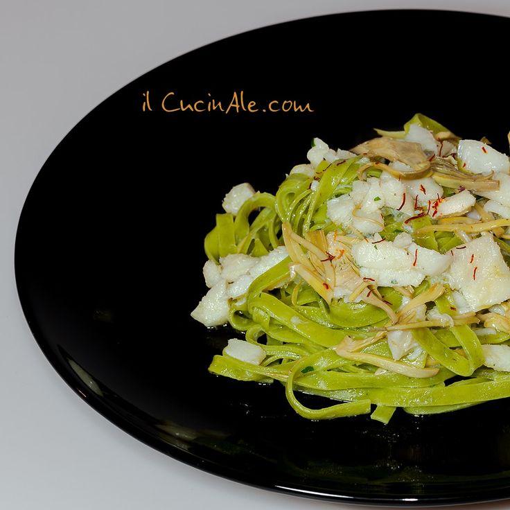 Fettuccine verdi con baccalà, carciofi e pistilli di zafferano