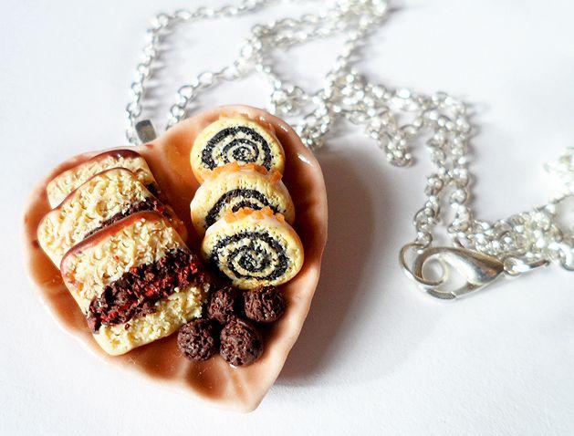 Talerzyk z ciastem w vivi4n na DaWanda.com