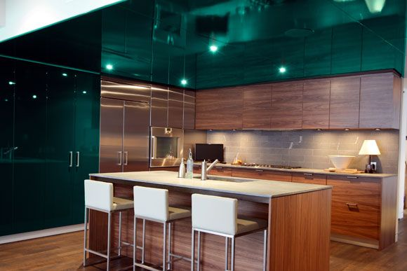 89 best excellent emerald green images on pinterest sweet home arquitetura and green kitchen on kitchen ideas emerald green id=42807