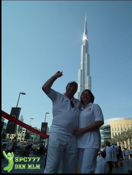 A Burj Khalifával a háttérben