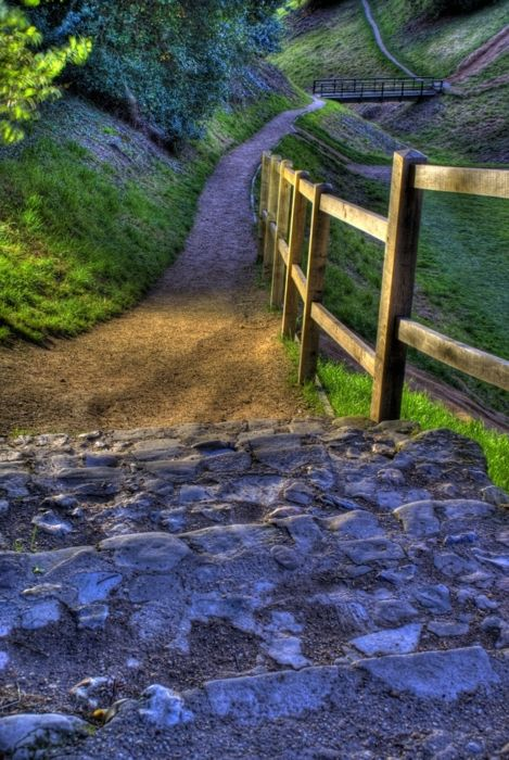 Ancient Foot Path,  Suffolk, England. Repinned from Lily Abbott via Kerrianne McGrath Houghton.