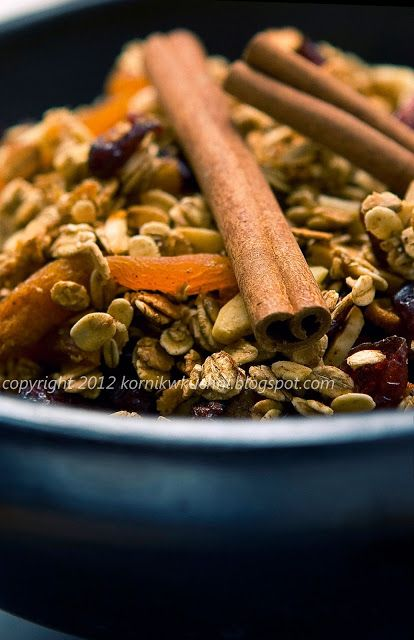 Piernikowa granola | kornik w kuchni