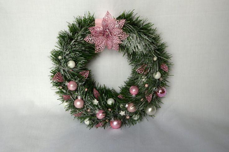 Wianek świąteczny różowy