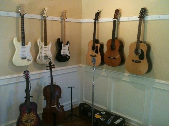 wall mount guitar racks