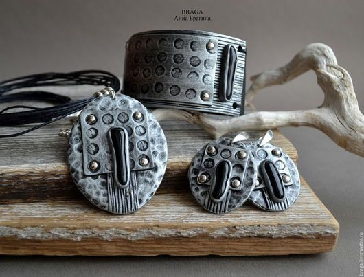 Conjuntos de jóias artesanais.  Mestres Fair - feito à mão.  Comprar Empacotamento de argila do polímero com vidro preto .. Handmade.  prata